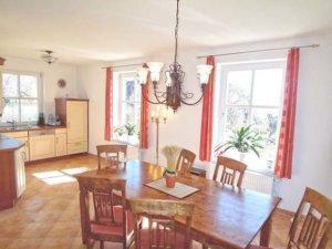Familienurlaub Rügen, Ferienhaus in Putbus für 7 Personen - Essbereich und Küche