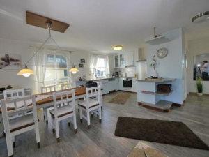 Ferienhaus Rügen mit Meerblick in Ummanz für 8 Personen - Essbereich
