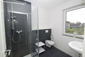Ferienwohnung Rügen Wiek für 5 Personen - Badezimmer