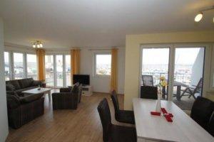Ferienwohnung Rügen Wiek für 5 Personen - Wohn- und Essbereich