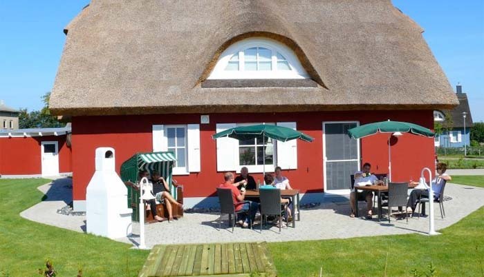 Luxus Ferienhaus Rügen für 8 Personen in Mursewiek - Terrasse
