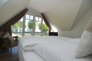 Luxus Ferienhaus Rügen für 8 Personen in Lobbe - Schlafzimmer