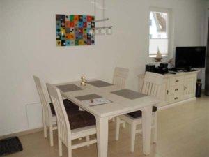 Rügen Ferienhaus am Strand für 6 Personen in Glowe - Essbereich