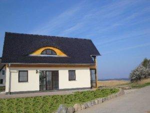 Rügen Ferienhaus am Strand für 4 Personen in Vieregge