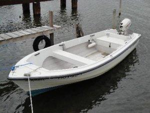 Rügen Ferienhaus am Strand für 4 Personen in Vieregge - Motorboot mieten